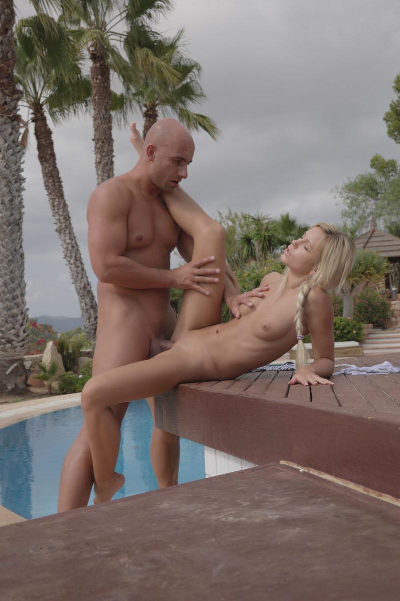 Пердильники очень красивый и нежный минет для мужа возрастной дамы порно