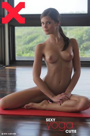 x-art_caprice_sexy_yoga_cutie-1-ltn